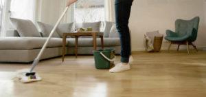 pulizia pavimento in gres